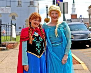 Anna and Elsa on Main Street
